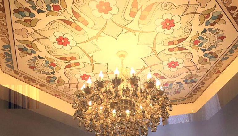 Натяжной потолок в гостинной 22 кв